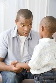 pai falando com o filho